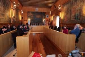 Pleno de la Diputacion sin los del PSOE /